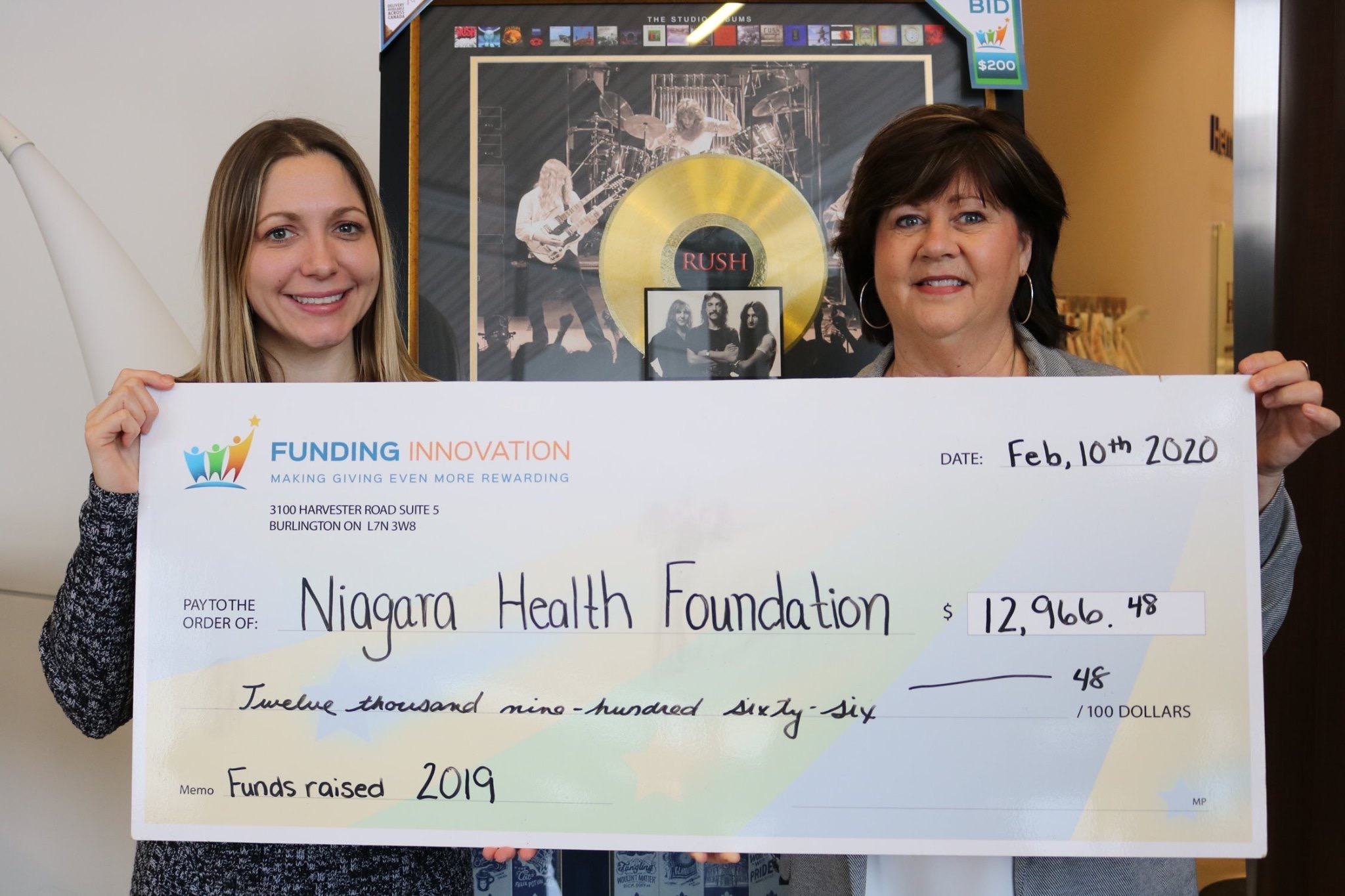 Cheque presentation Niagara Health Foundation